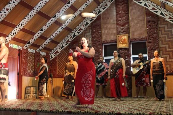 0327_te_puia_women_dance
