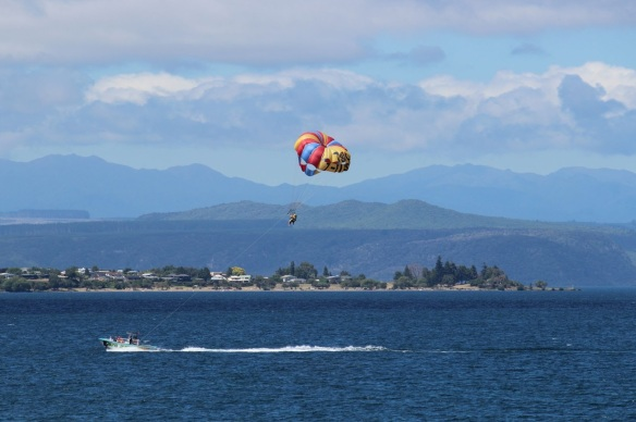 0397_lake_taupo