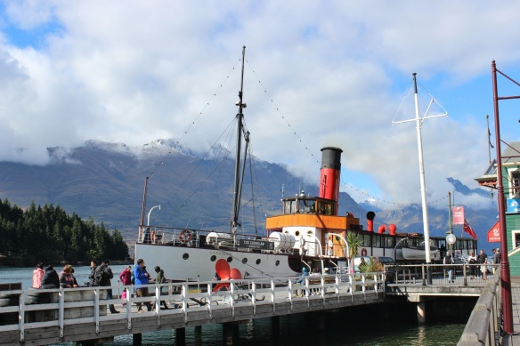 0810_queenstwon_tss_earnslaw