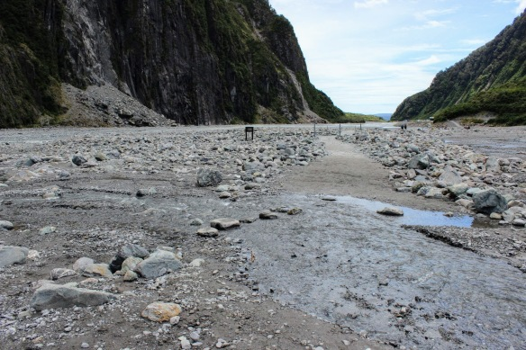 0954_walk_to_fox_glacier